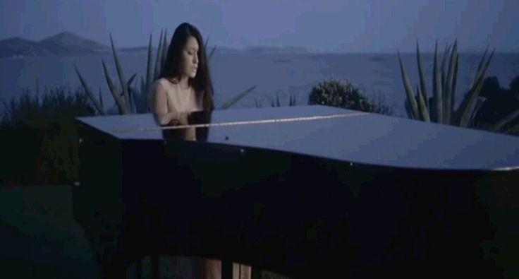 Γιάννα Βασιλείου -  Νέο πρόσωπο στην ελληνική μουσική. http://www.getgreekmusic.gr/blog/neo-tragoudi-logia-agapis-gianna-vasileiou/