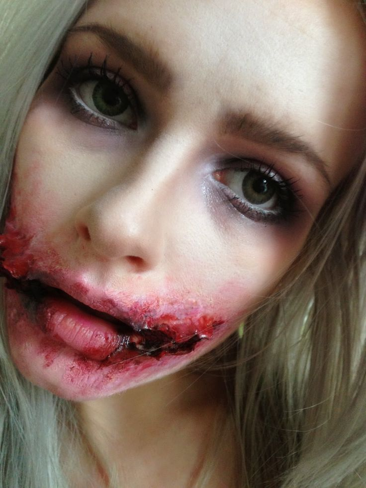 The little Blonde beauty blog ♀: Halloween makeup- Jokers Chelsea smile makeup