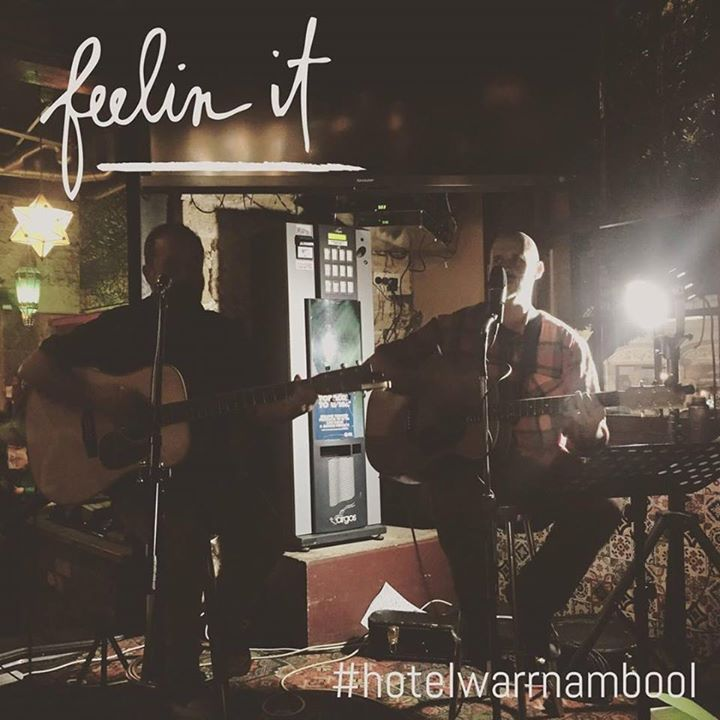 love the live music at #hotelwarrnambool #pub3280 #destinationwarrnambool #live3280 #livemusic #beer #sundaysesh @socialascat
