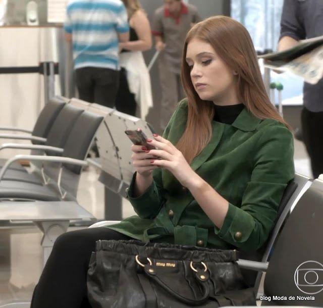 5 fotos do look da Eliza dia 28 de maio na novela Totalmente Demais - Moda de Novela