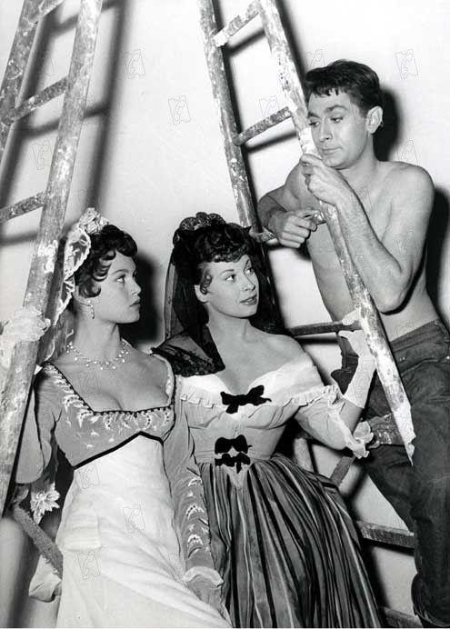 Sur le tournage du film Le fils de Caroline Chérie  Brigitte Bardot, Magali Noël et Jean-Claude Pascal