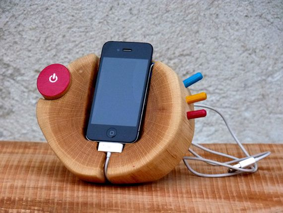 Hand painted iPhone Wood Stand. Wooden iPhone by WoodRestart, €80.00