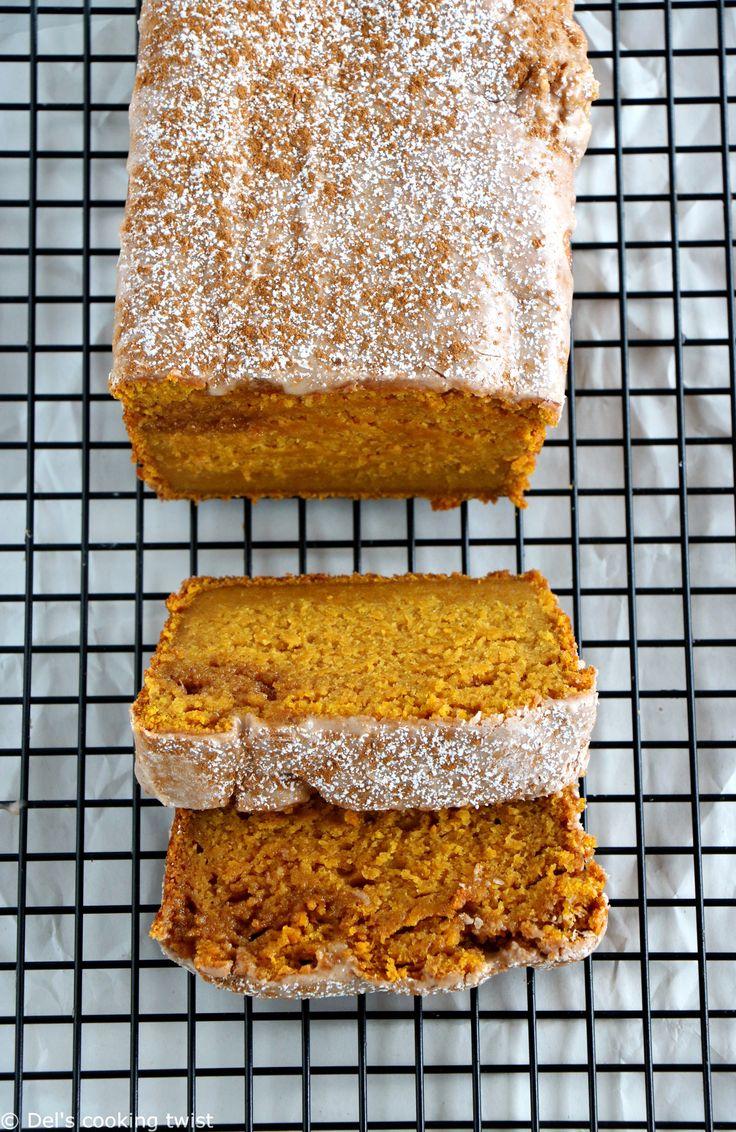 Doux et moelleux à souhait, ce pumpkin bread (cake à la citrouille en français) réhaussé d'un glaçage à la cannelle est un classique américain. Très facile à réaliser, c'est pour moi le meilleur pumpkin bread testé à ce jour! | Del's cooking twist