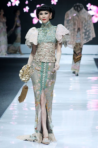 Indonesian Modern Kebaya - By Anne Avantie