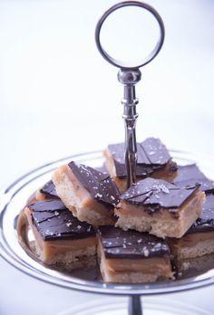 OMG x 10! Dette er den beste kaken jeg noen gang har smakt. Jeg elsker jo sjokoladen Twix og de...