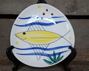Vintage Inger Waage Stavangerflint 50s triangle plate with fish motive
