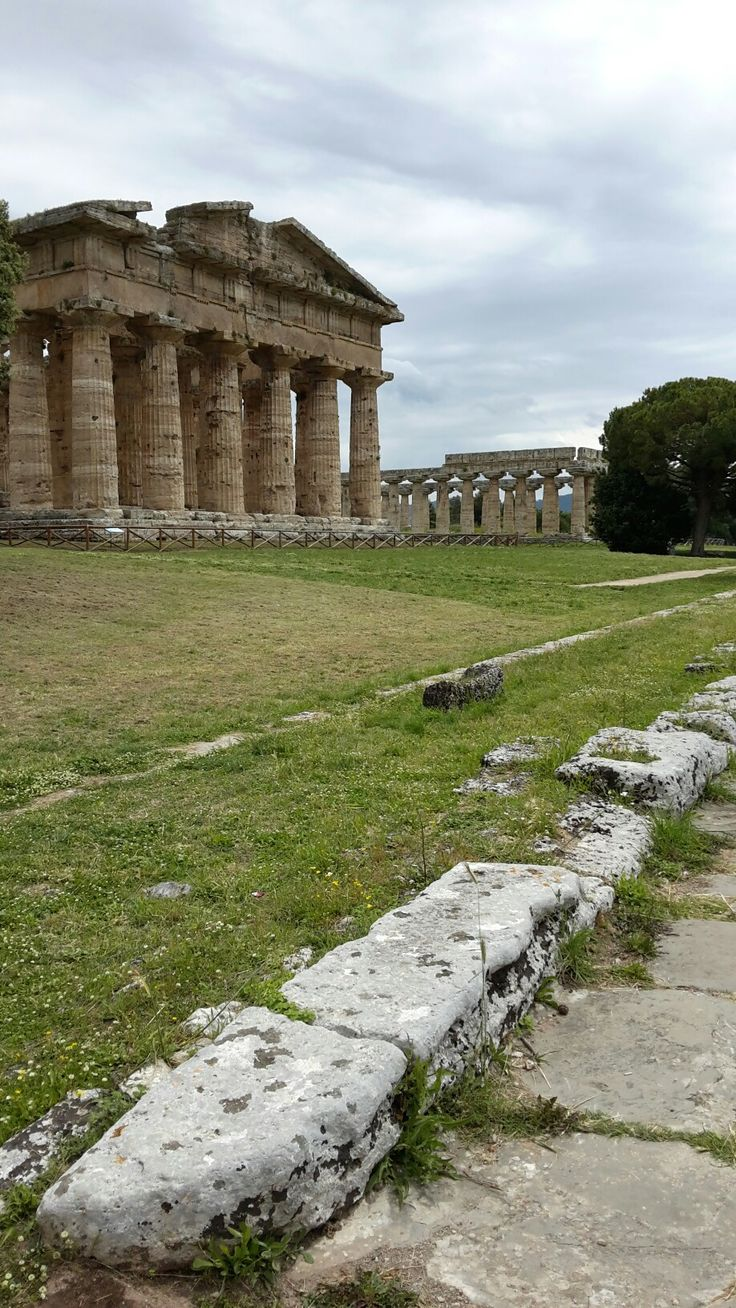 Ancient Greek buildings in Paestum, Italy. Photo Anne P.C.