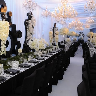 The Design Inspirationalist: Classic Black & White WeddingsIdeas, Tables Sets, Wedding Receptions, Black White Wedding, Wedding Decor, Black And White, Lamborghini, Black Decor, Tables Decor