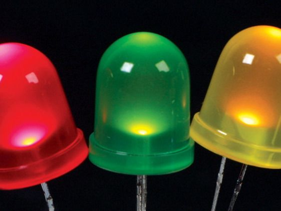 Light Emition Diode (LED) o Diodo Emisor de Luz, se trata de un semiconductor de la familia de los diodos, pero en este caso con la particularidad de emitir luz. Https://k60.kn3.net/taringa/4/9/A/D/B/6/sebabjt84/FD5.jpg. Como bien ya sabemos que hoy...