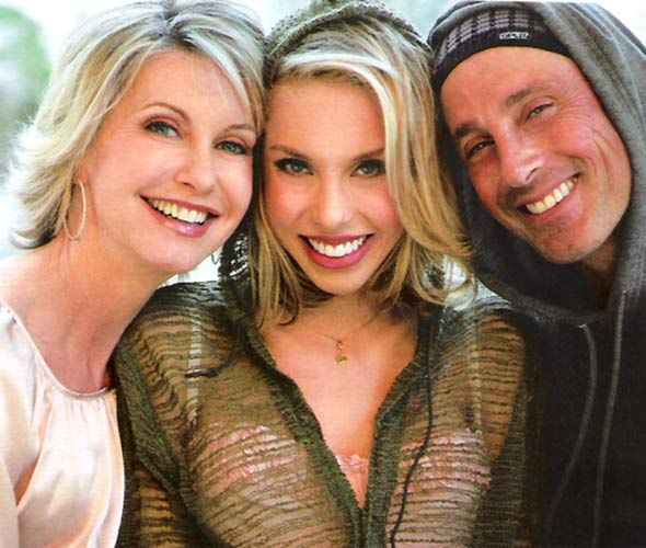 Chloe Lattanzi with her parents, Olivia Newton-John and Matt Lattanzi