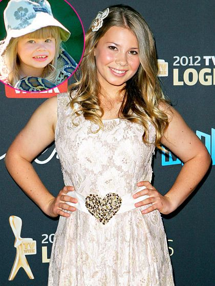 OMG!!! It's Bindi Irwin (Steve and Terri Irwin's beautiful daughter!)  How beautiful she is!  She's all grown now~! Her late father would be so proud! ♥