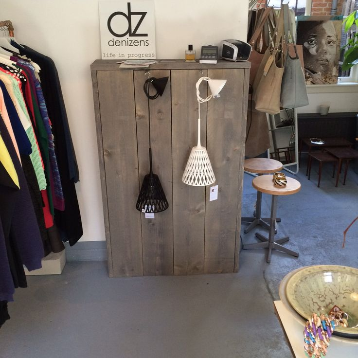 De ontwerpen zijn vanaf nu te zien en te koop bij conceptstore De Kast in Utrecht! Geopend van woensdag t/m zondag. http://www.dekastutrecht.nl/