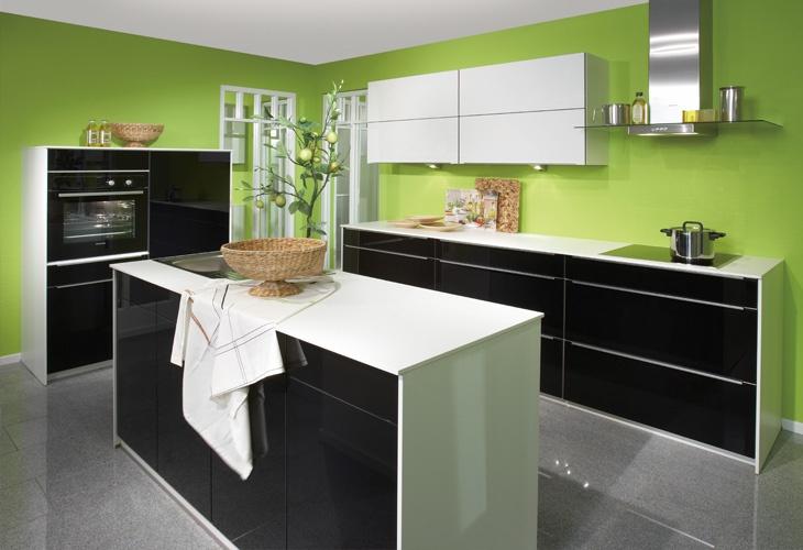 Schwarze Küchen ~ Dekoration und Interior Design als Inspiration ...