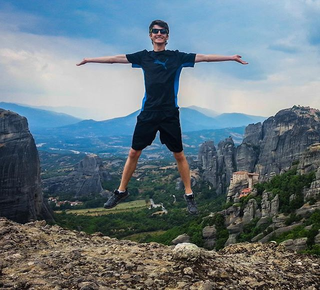 Bonne fête @philchamberland !! 🎉 This is a picture I took 3 years ago during our trip in #Europe 🇬🇷 #Brothers #Meteora #visitgreece #happybirthday 📽Video on my YouTube channel 📎