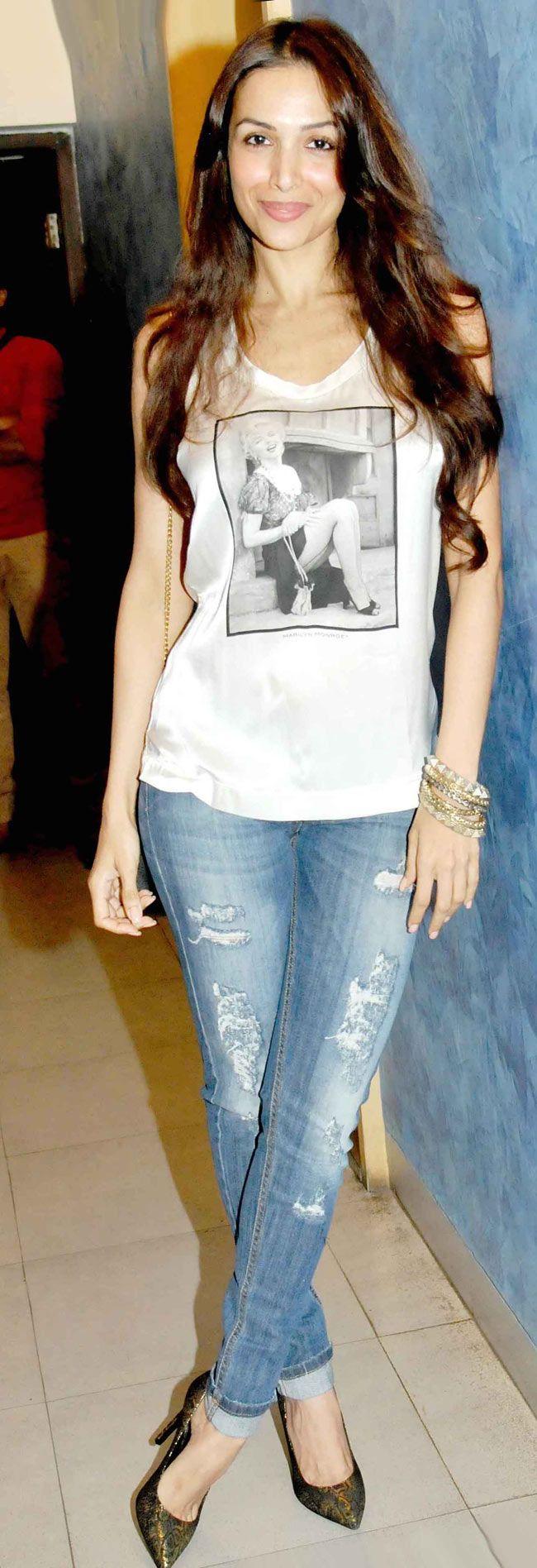 Malaika Arora Khan goes casual at the screening of 'Heropanti'.