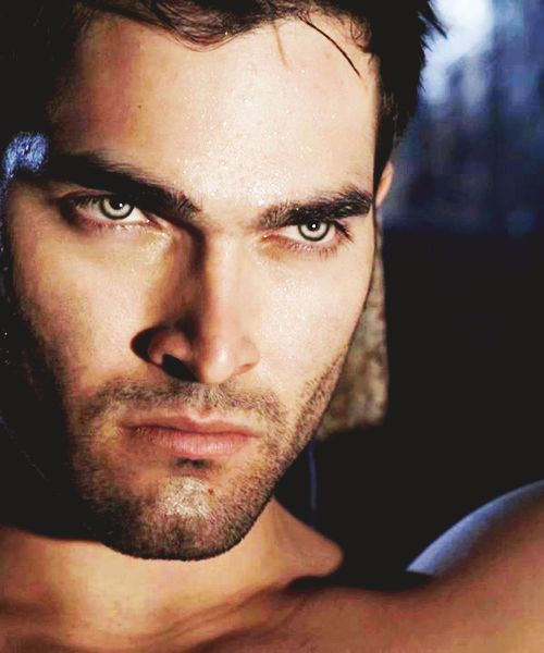 Derek Hale [Tyler Hoechlin] What do his say? just look at his eyes try not to look at his face as a whole just his eyes