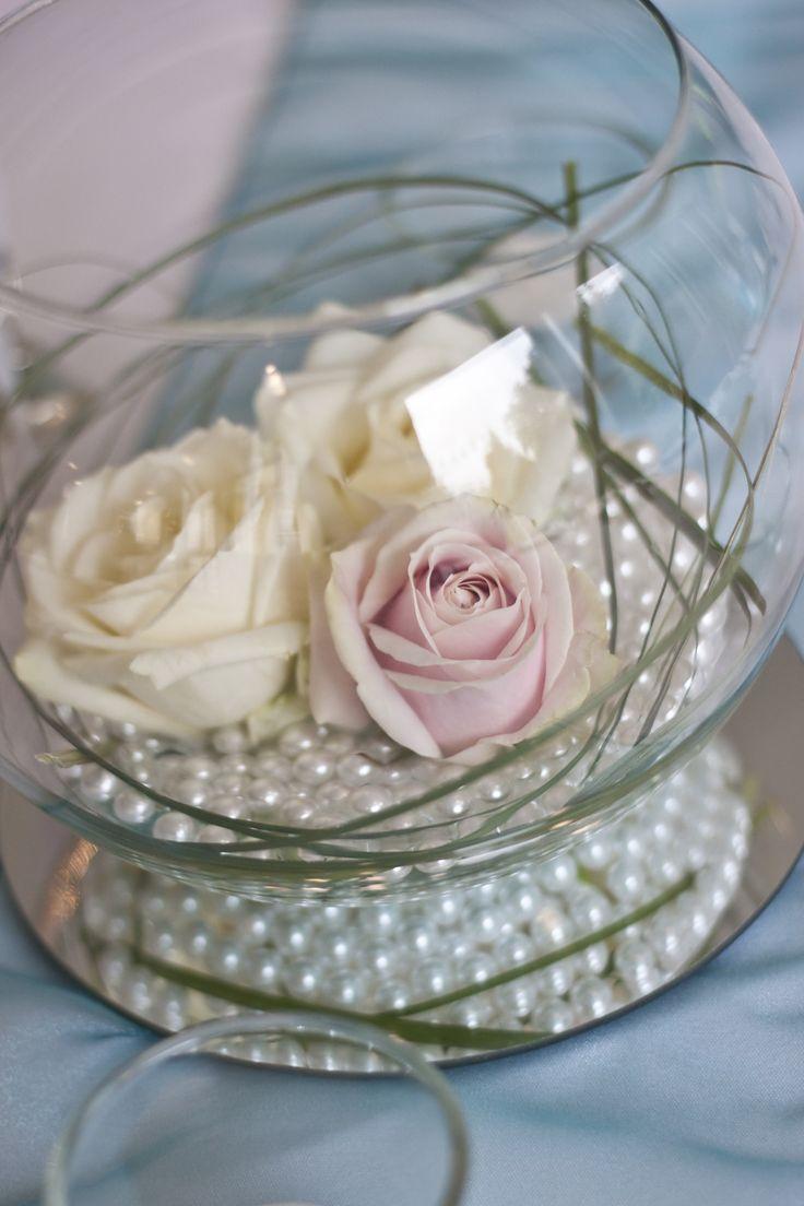 Centrepiece wedding, simple, classic, goldfish bowl, pink cream white roses David Austin, pearls, circular mirror