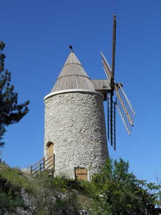 Allauch.-Moulin-à-vent                                                                                                                                                                                 Plus
