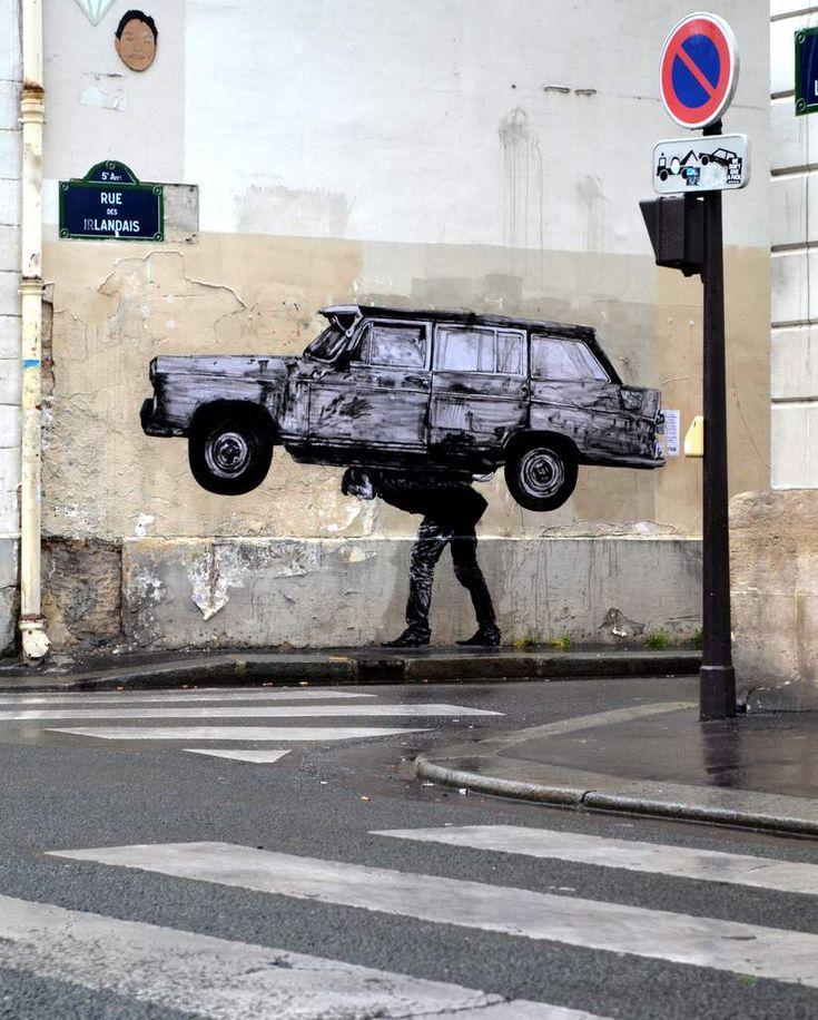 La voiture, c'est le poids ! / Street art. / Paris, France. / By Levalet.