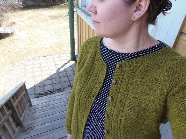 Lankaterapiaa: Sammal - Sammal cardigan by Joji Locatelli