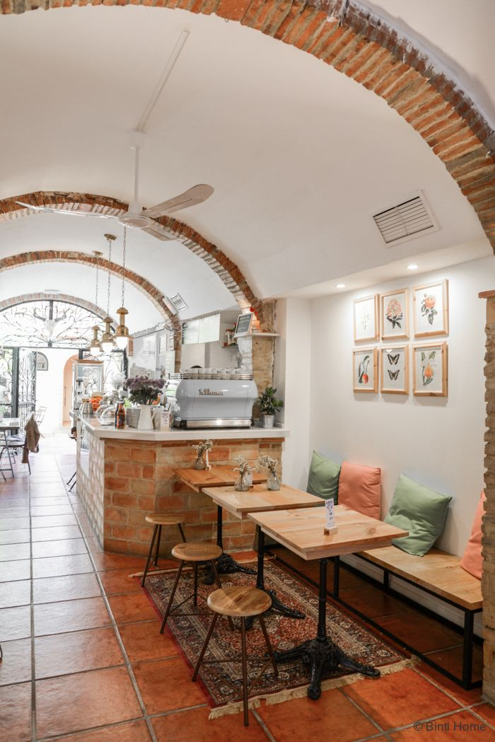 Blue-Bell-cafe-inspiration-Valencia-©BintiHome-5.jpg 700×1.049 pixels