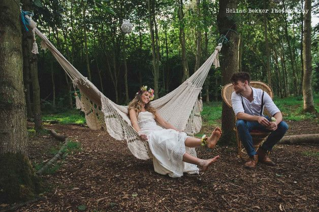 Hammock WITHOUT bars. In cream color cotton. Designer: Hang A Hammock Collective  SUPER GOOD NEWS: YOU CAN TRACK YOUR PARCEL WORLDWIDE  Our hammocks are really made for TWO people and they...