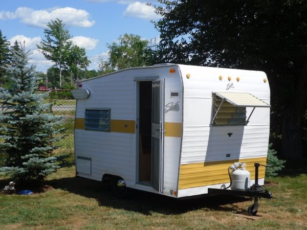 1968 Shasta Compact Trailer Vintage Campers Pinterest