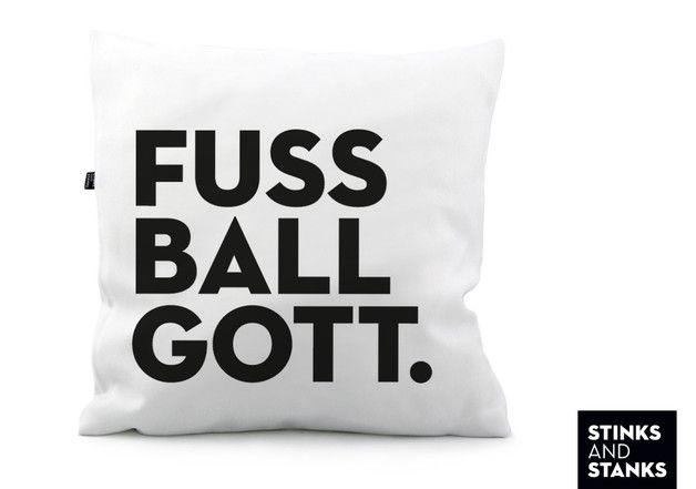 Kissen für echte Fußballgötter / pillow for real soccer fans by stinksandstanks via DaWanda.com