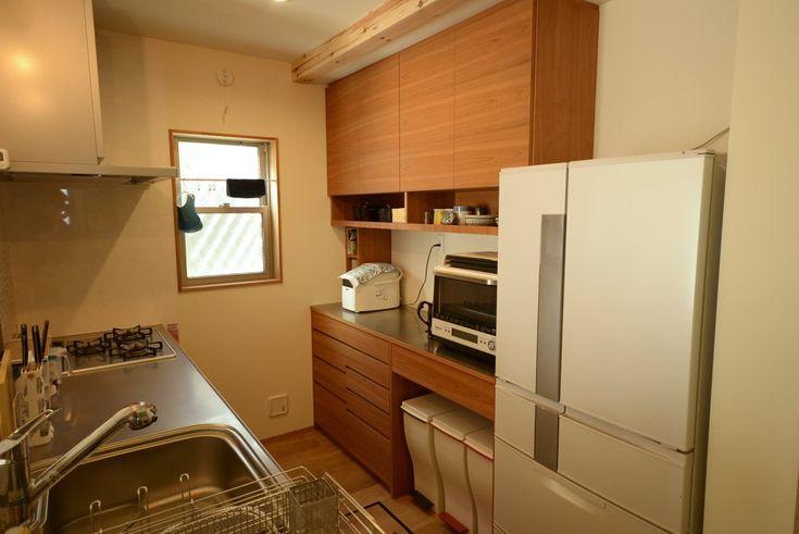 アメリカンチェリーの食器棚 キッチンインテリアデザイン 自宅で 食器棚