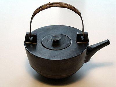 Theodor Bogler teapot, 1923.