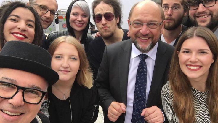 [Rueckblick] #SPD #mit #Martin #Schulz #in #Saarlouis | 2. #Chance #Saarland  #Saarland #Am 9. #September 2017 #war #die #SPD #mit #Martin #Schulz #in #Saarlouis, #dort #fand #sein einziger #Wahlkampf #im #Saarland #statt. #Wir #von #der 2. #Chance #Saarland #haben #dort #fuer #das Musikprogramm gesorgt.   ________________________________________   2. #Chance #Saarland  #auf Facebook:  #im Netz:   #unsere #jungen Talente:  #Saarlouis #Saarland http://saar.city/?p=81268