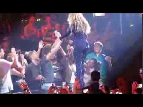 Beyonce Fan Catches The Holy Ghost - YouTube