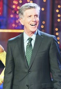 Dancing's Tom Bergeron Assesses Season 17's New Format, Early Favorites and Snicole