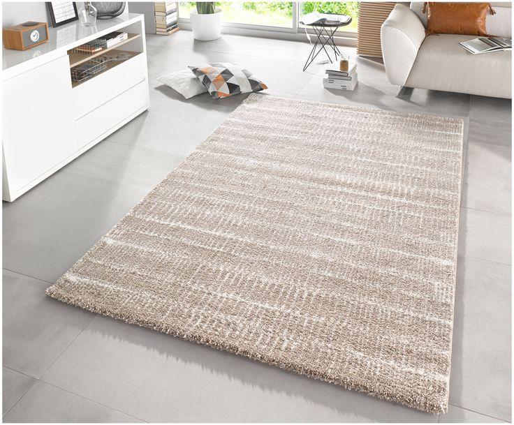 Gehen Sie mit dem gemusterten Teppich Stella Nova in Taupe wie auf Wolken. Entdecken Sie weitere tolle Teppiche auf >> WestwingNow.