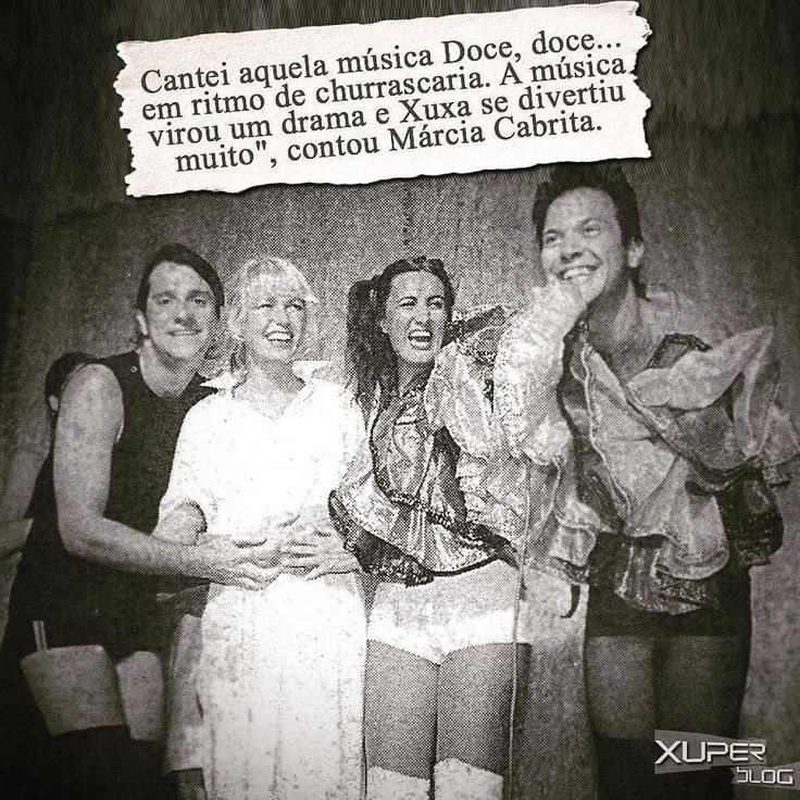 """Uma sexta-feira triste. Adeus Marcia Cabrita. Que Deus e anjos de luz te guardem. #Repost @xuper_blog ・・・ Hoje nos despedimos da atriz Márcia Cabrita. Alguns capítulos de sua história também fizeram parte da história de Xuxa. Márcia participou dos filmes """"Xuxa e o Tesouro da Cidade Perdida""""(2004) e """"Xuxa Gêmeas"""" (2006). Ela também foi convidada de alguns quadros em programas da loira. Relembremos o dia em que @xuxamenegheloficial , ainda grávida de 3 meses, foi assistir à peça """"Subversões…"""
