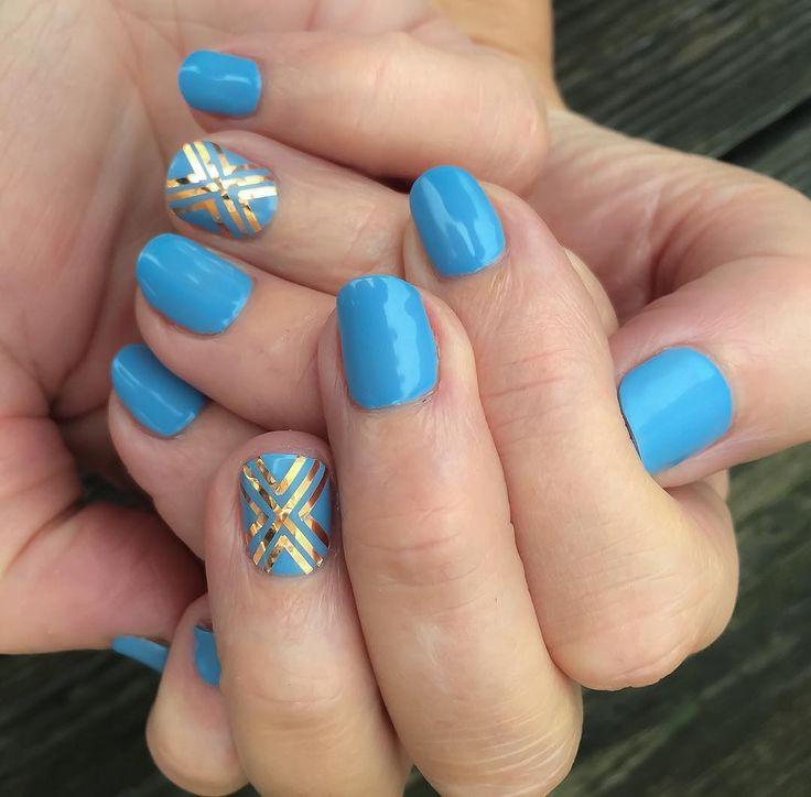 Blue with rose gold stripes by #theresenails  #manicure #manikyr #mani #kawaiinails #gelnails #gelpolish #gellack #nailart #artsynails #ilnpfeature #gelmanicure #gelicure #homenails #nailporn #uvnails #soakoffnails #nailideas #nagelkonst #naglar #gelish #blingnails #nailswag #nailfashion #bluenails #glitternails #springnails #stripenails by tezzut