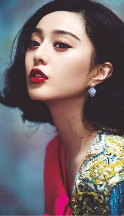 Fan Bingbing with neutral eyes and rouge lips