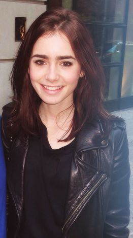 Lily Collins | Love her hair here!