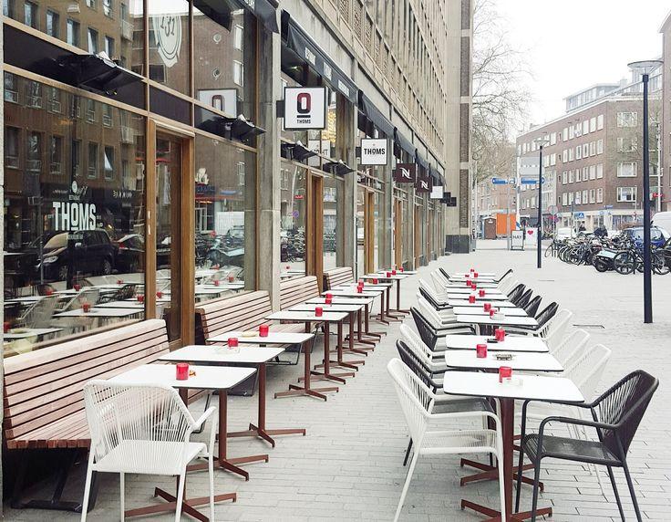 Terrassen met zon voor ontbijt, lunch en borrel
