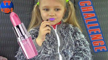 Влог + Челлендж Попробуй накрасить губы в машине Видео для детей http://video-kid.com/21455-vlog-chellendzh-poprobui-nakrasit-guby-v-mashine-video-dlja-detei.html  Влог + Челлендж Попробуй накрасить губы в машине Видео для детейВсе видео с Ярославой на SeezisKids - Поделись этим видео: Подпишись на наш канал: Instagram: Playlist – Yaroslava Unboxing Toys for Kids Ярослава Распаковка Игрушки для Детей: Playlist – VLOG «Baby Surprise» «Девочка Сюрприз»: Playlist – Baby Born Dolls: Playlist –…