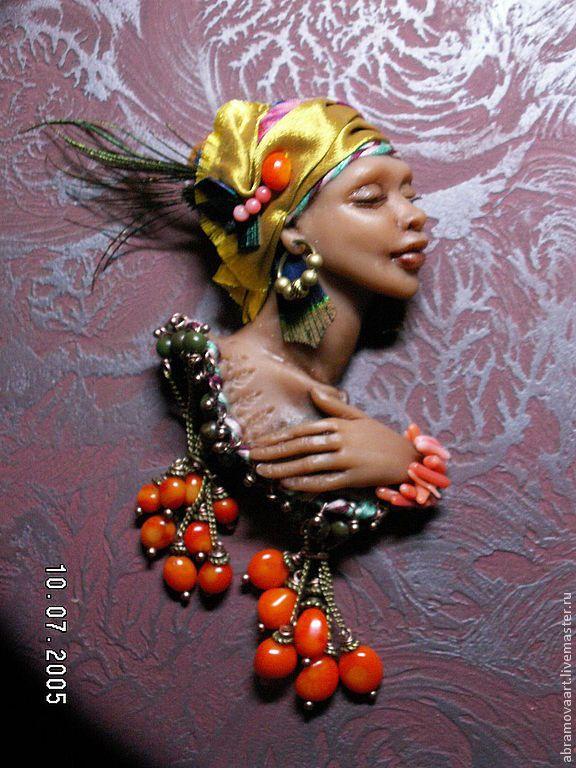"""Брошь""""Африканская птичка""""серия """"Девушки бывают разные..."""" - ручная авторская работа"""