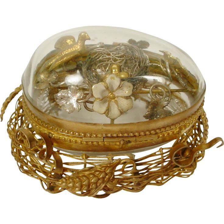 Palais Royal Egg on the Nest