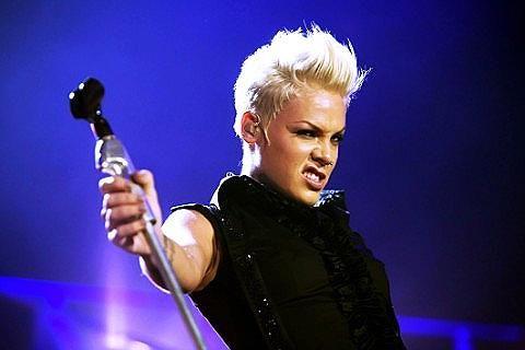 Pink Fan Arrested For Tweeting 'Bomb' Threat During Melbourne Australia Concert! josalynmonet.com