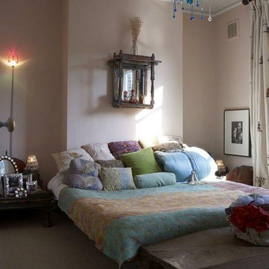 Bohemian Homes: Beautiful Low bed