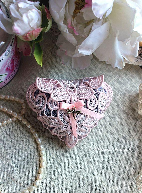"""Купить Саше с лавандой """"Кружевное сердце"""" - сердце, кружево, кружевное сердце, саше с лавандой"""