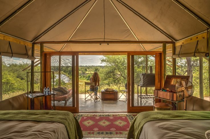 7 of the 9 tents include 2 double beds, the other 2 include king size beds