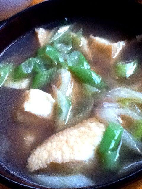 寒い…ので温まるようにスープ。中華味は香味ペーストを使ってお手軽♪ - 1件のもぐもぐ - 絹揚げとネギの中華スープ by 38kuma