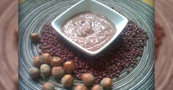 Alcune settimane fa, una lettrice di questo blog, mi chiese di pubblicare la ricetta di una mousse che aveva mangiato e le era piaciut...
