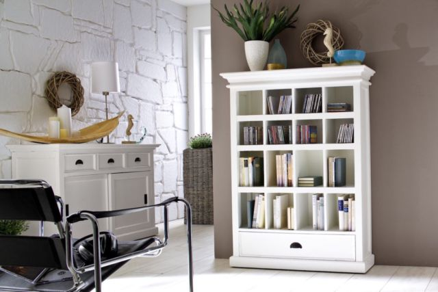 This attractive storage unit is the ideal home for your entire entertainment library. Varying sized compartments can be easily house your DVD and CD collections, even books and instruction manuals.