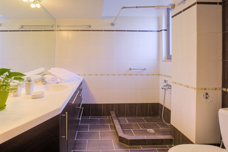 A #luxurious bathroom in Marini #Luxury apartments  #suites